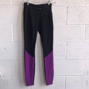 lululemon black and purple legging sz4 60687